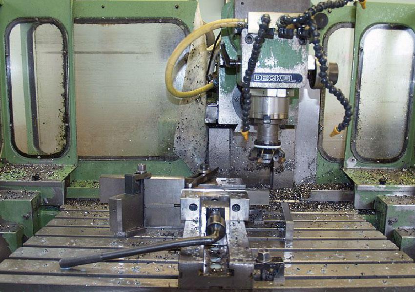 Cnc werkzeugfr smaschine deckel fp 4a krometal for Deckel drehmaschine